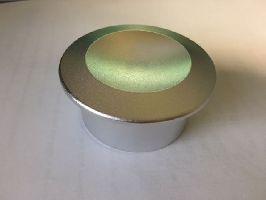 Magnetický uvolňovač pevných etiket. Povrch chrom