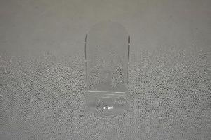PVC průhledný stojánek na mobil do vitríny – KONČÍ
