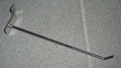 Pochromovaný hák do SLATWALL 10cm