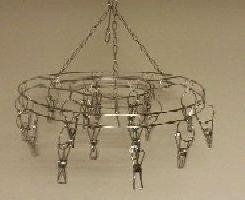 Kovový vešiak kruh na šály